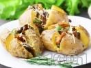 Рецепта Пълнени печени цели картофи с гъби кралска печурка, пресен лук и бекон на фурна